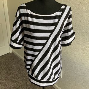 Black and White Short Sleeve Top